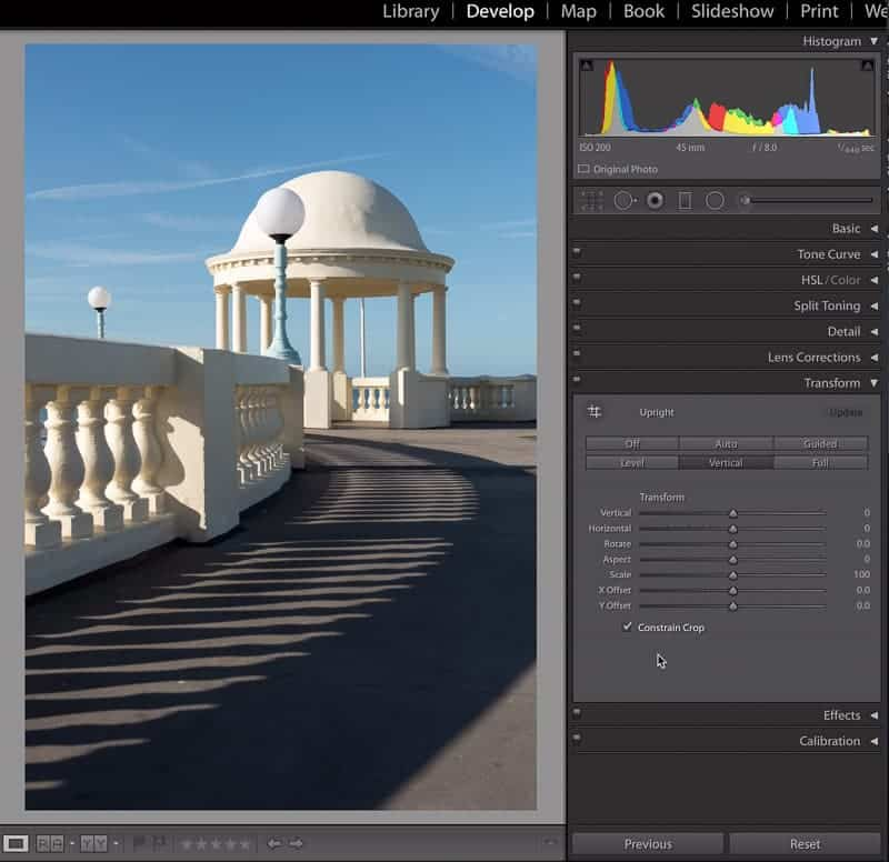 How to fix vertical lines in Lightroom