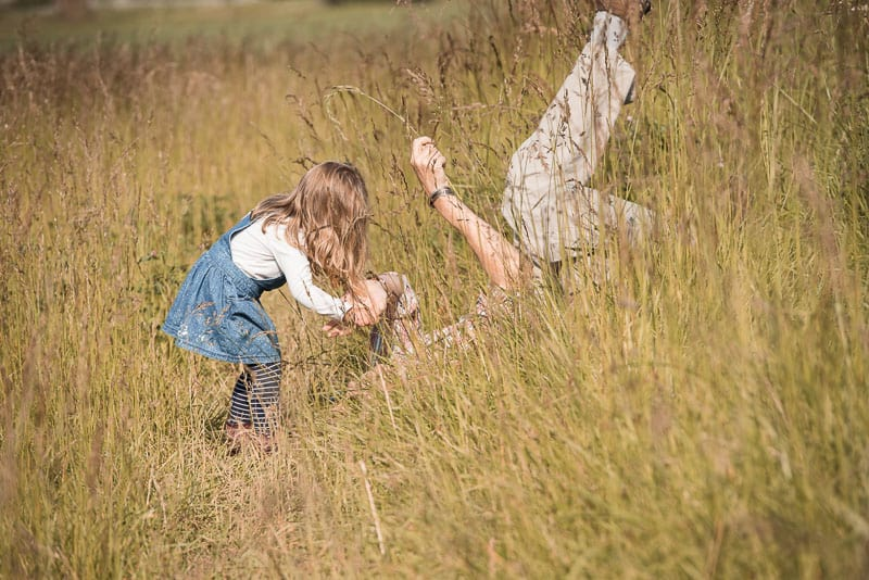 know camera settings for photographing children playing