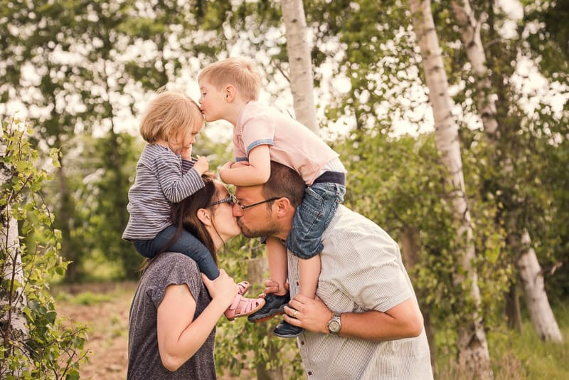 Group photo ideas for a young family